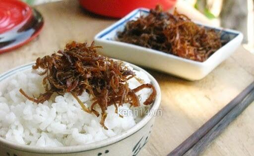 ăn cơm với chà bông nấm
