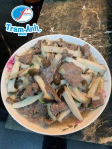 Cách làm thịt bò xào nấm ngon tuyệt 3